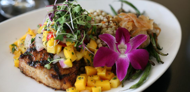 Image of grilled Mahi Mahi topped with mango